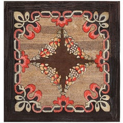 Antique American Hooked Rug. Size: 5 ft 9 in x 5 ft 10 in (1.75 m x 1.78 m)