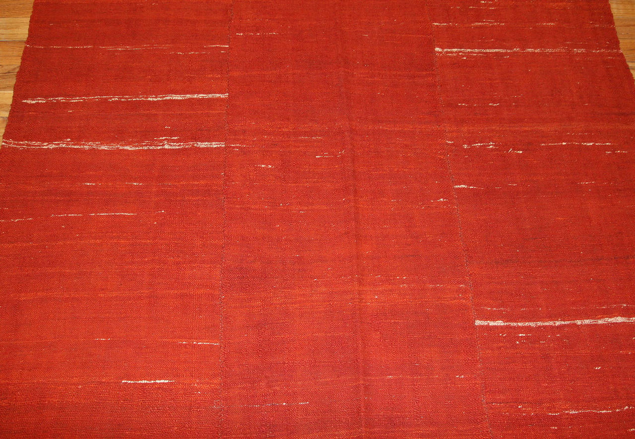 Antique Persian Mazandaran Kilim. Size: 6 ft x 8 ft (1.83 m x 2.44 m) In Excellent Condition For Sale In New York, NY