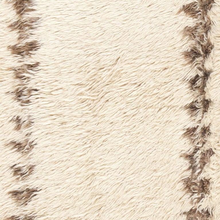 20th Century Minimalist Tribal Vintage Moroccan Rug For Sale