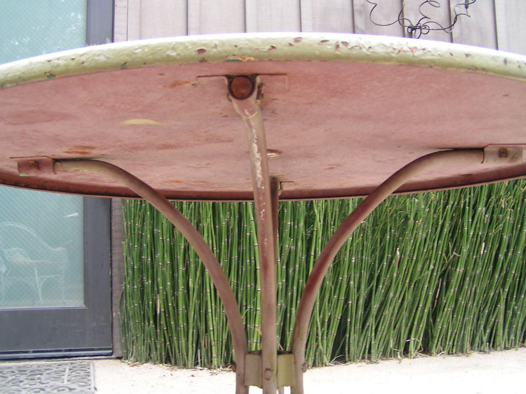 Metal 1940s Vintage American Green Garden Table For Sale