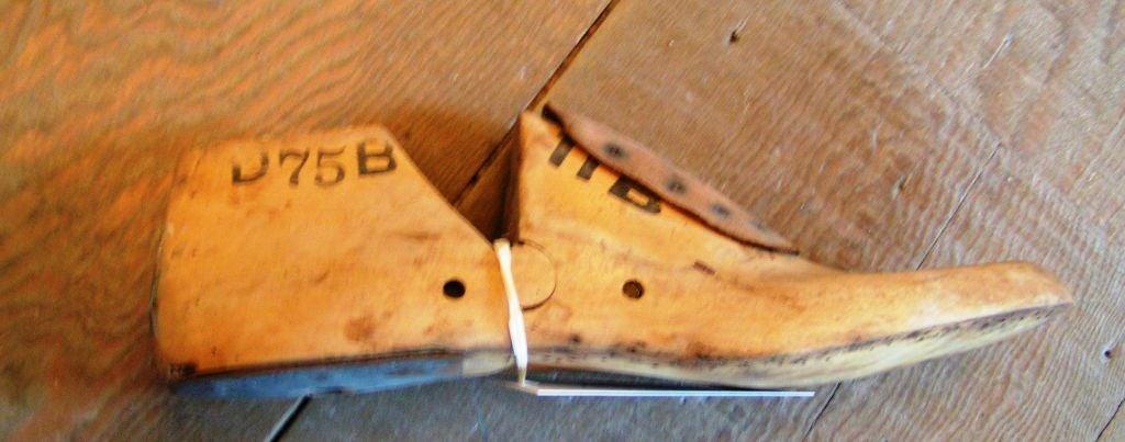 Vintage American Shoe Molds For Sale 2