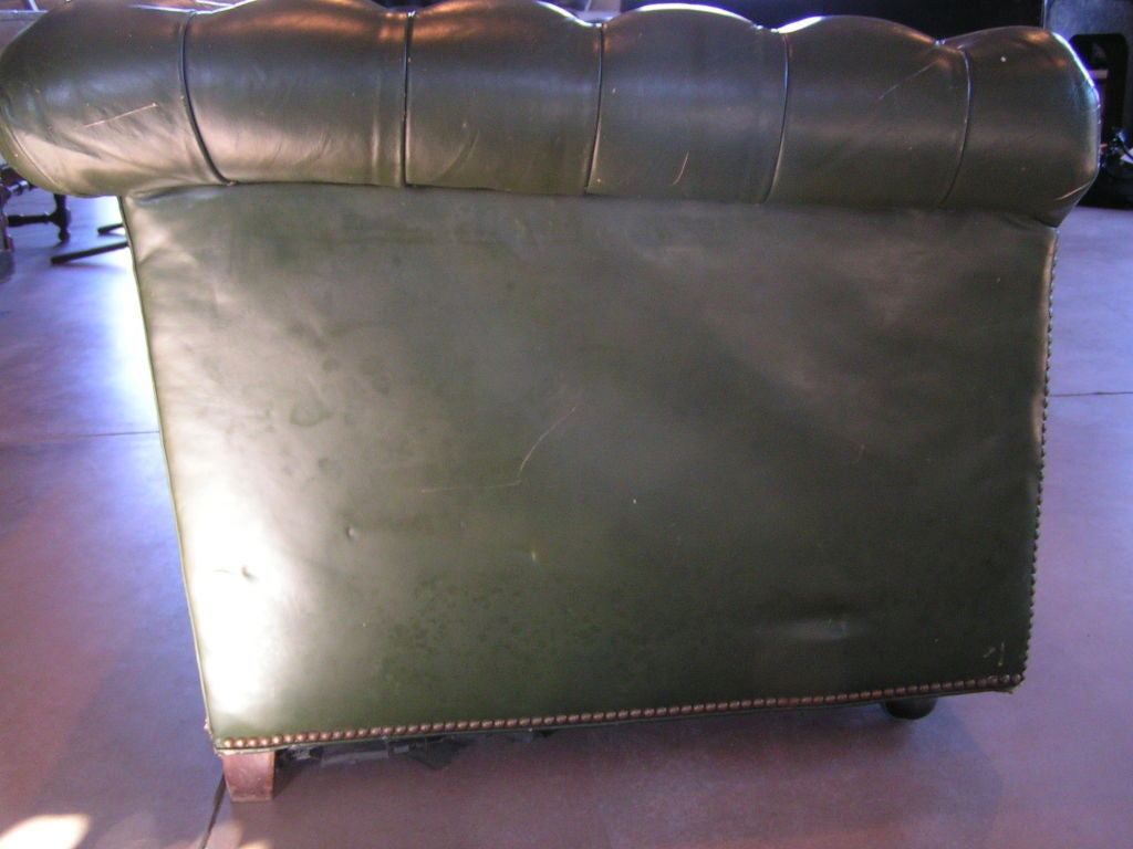 Green Tufted Chesterfield Sofa In Good Condition For Sale In Yountville, CA