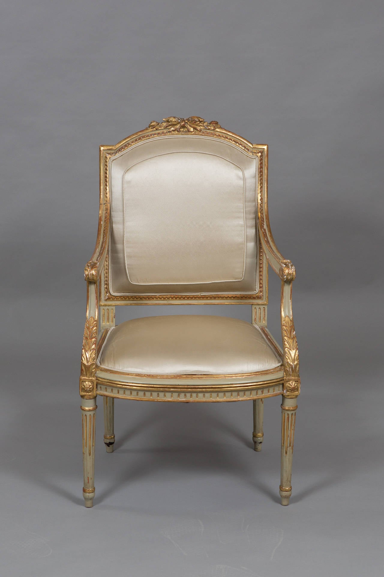 Louis XVI Style Parcel Gilt Armchair In Good Condition For Sale In New York, NY