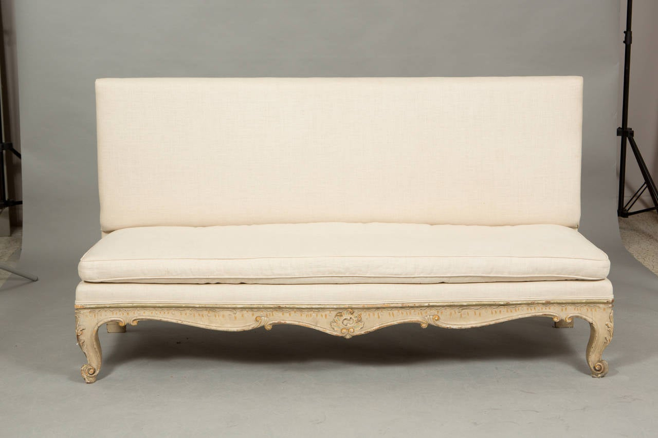 pair of louis xv banquettes for sale at 1stdibs. Black Bedroom Furniture Sets. Home Design Ideas