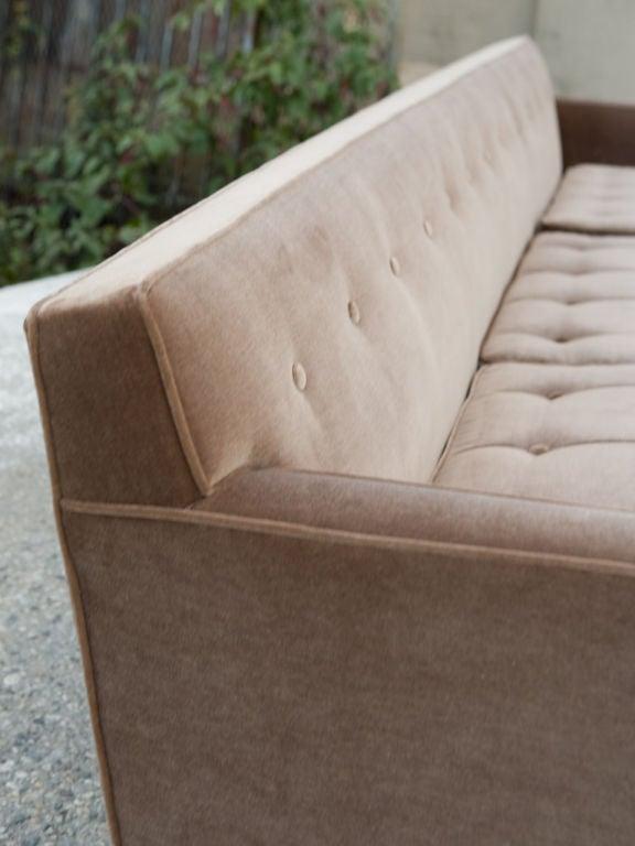 Mid-Century Modern Sofa For Sale 3