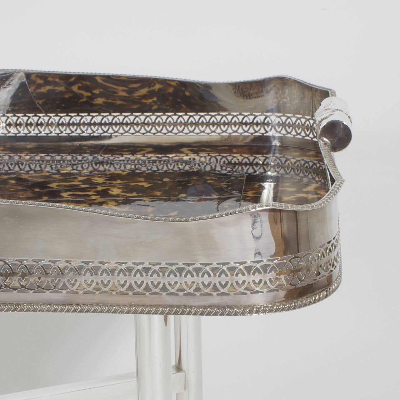 Faux Tortoiseshell and Silver Plated Tray Table In Excellent Condition For Sale In Palm Beach, FL