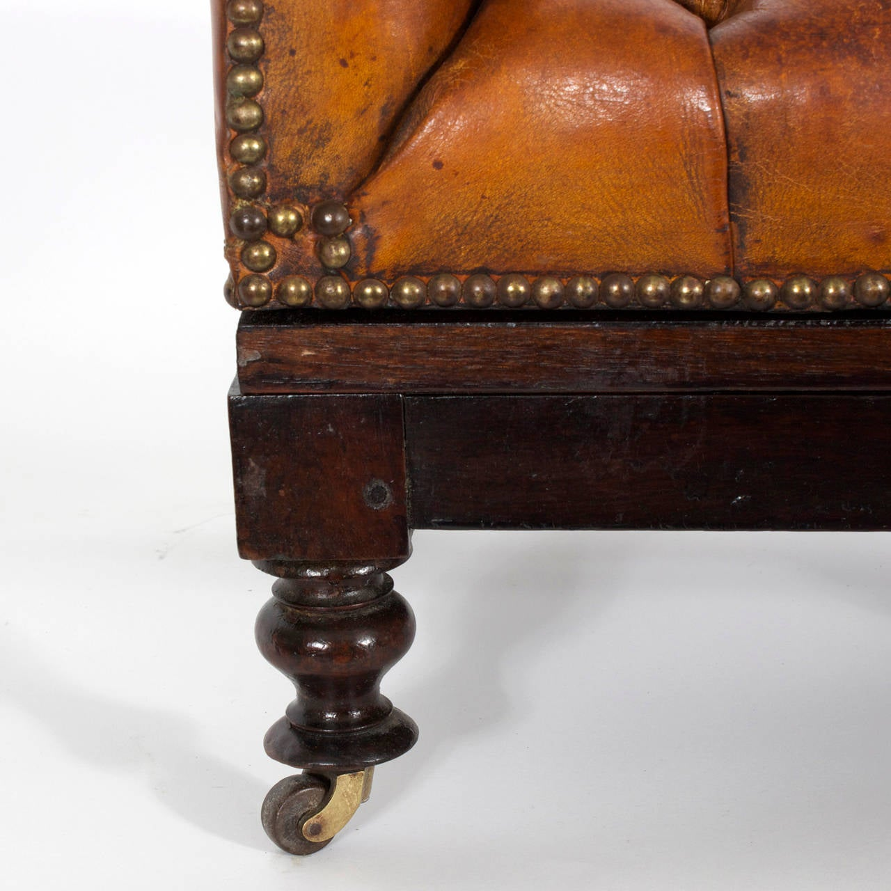 19th Century Tufted Leather Foot Stool or Bench, with Raising Capabilities For Sale 1