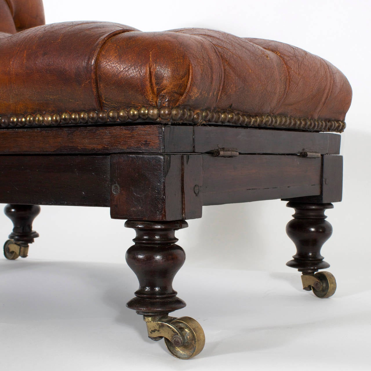Mid-19th Century 19th Century Tufted Leather Foot Stool or Bench, with Raising Capabilities For Sale