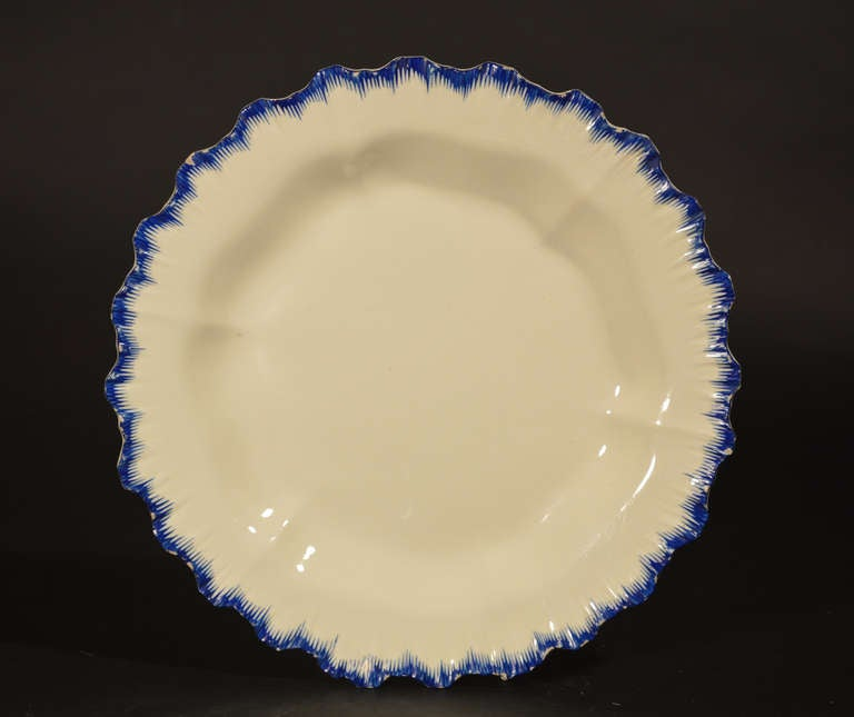 English Pottery Creamware Blue Enamel Shell-Edge Dessert Service In Excellent Condition For Sale In Maryknoll, NY
