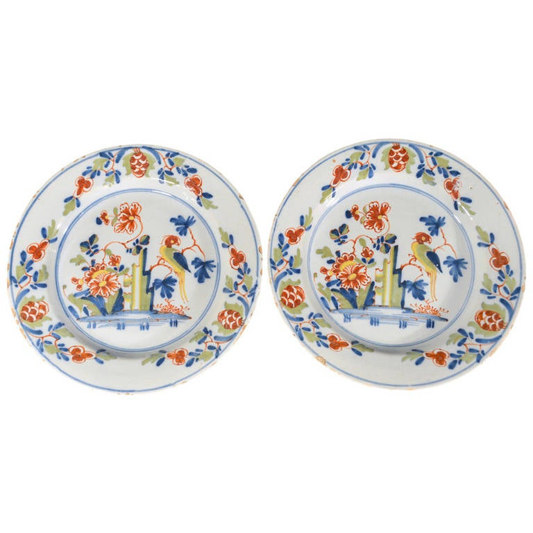 Lambeth High Street Delftware Chinoiserie Plates With Parrot, 18th-century.