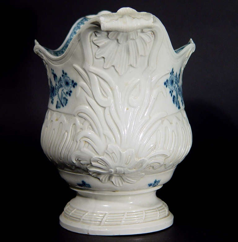 French Rococo Blue and White Porcelain Wine Cooler In Good Condition For Sale In Downingtown, PA