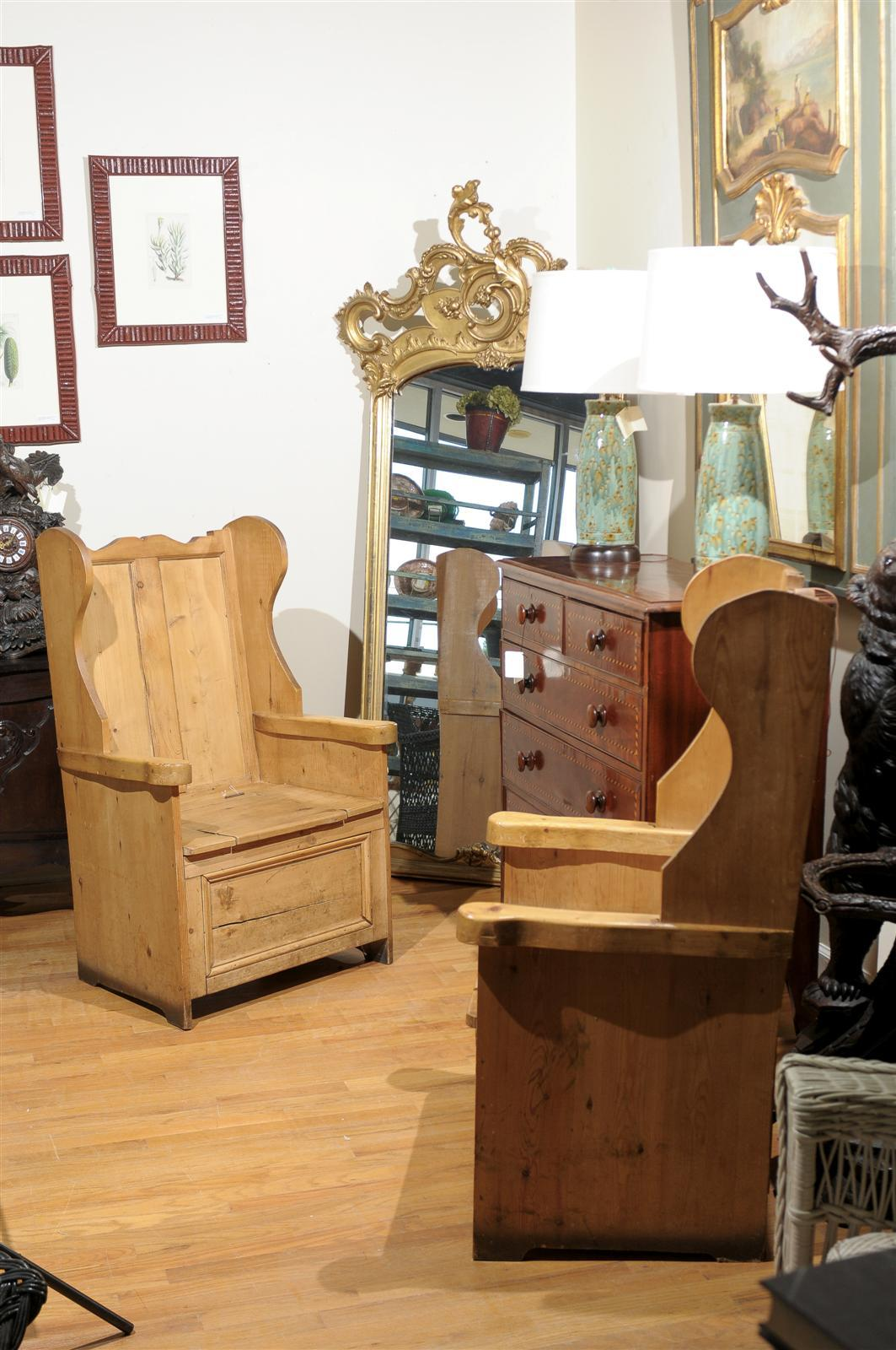 Pair Of Pine Lambing Chairs At 1stdibs