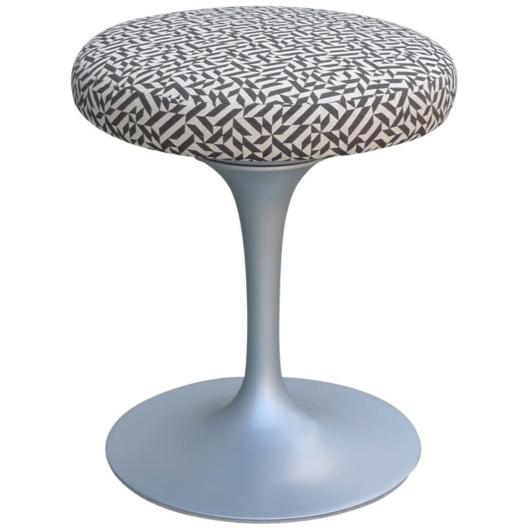 Eero Saarinen Tulip Stool For Knoll At 1stdibs