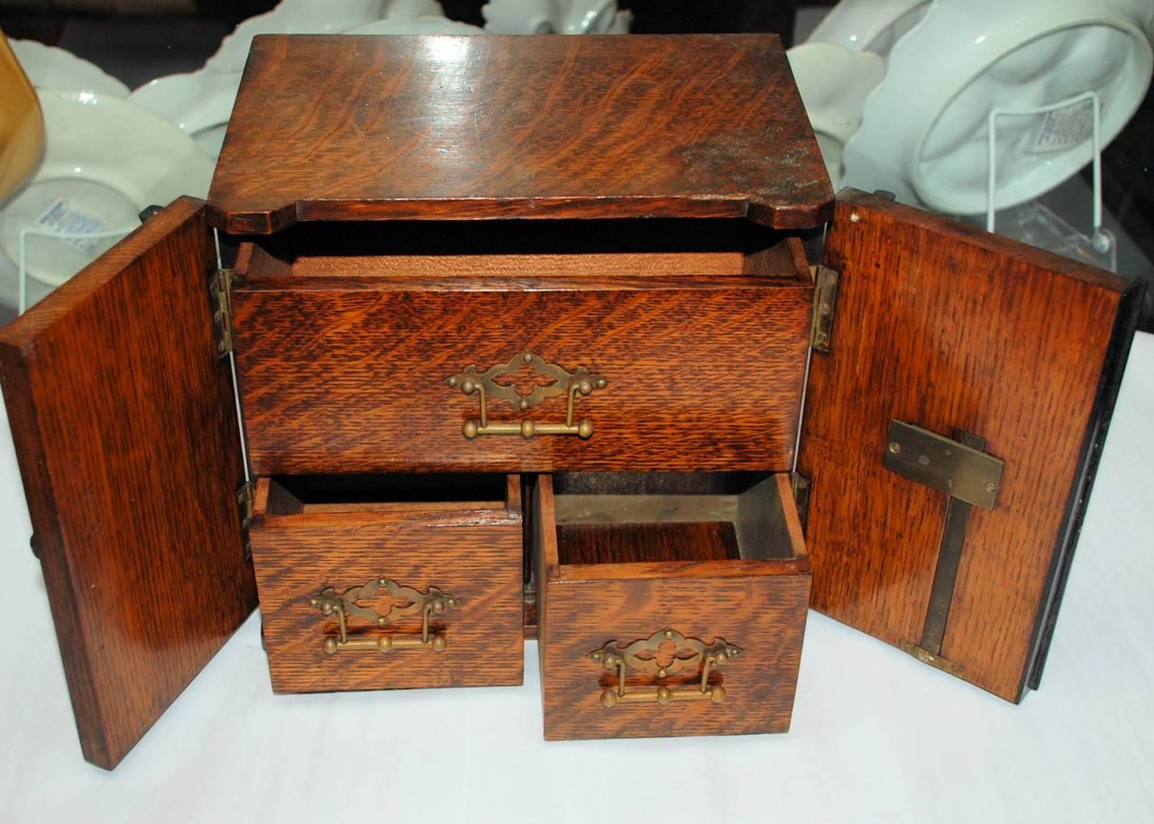 Antique English Golden Oak Cigar Humidor - Antique Humidor At 1stdibs