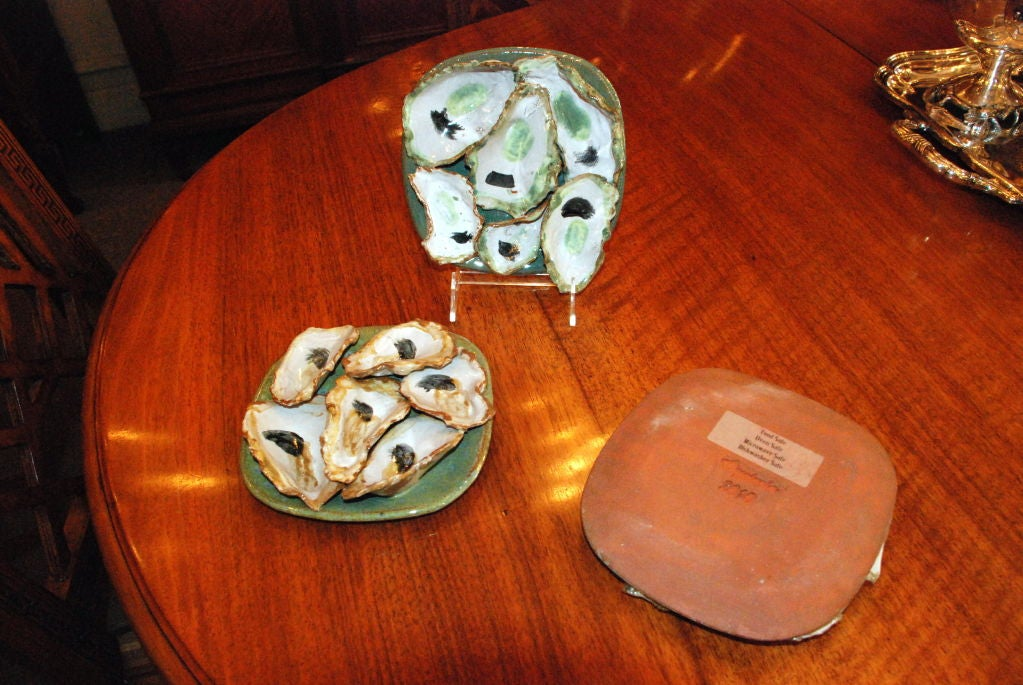 Hand made stoneware oyster plates by local New Orleans artist For Sale 4