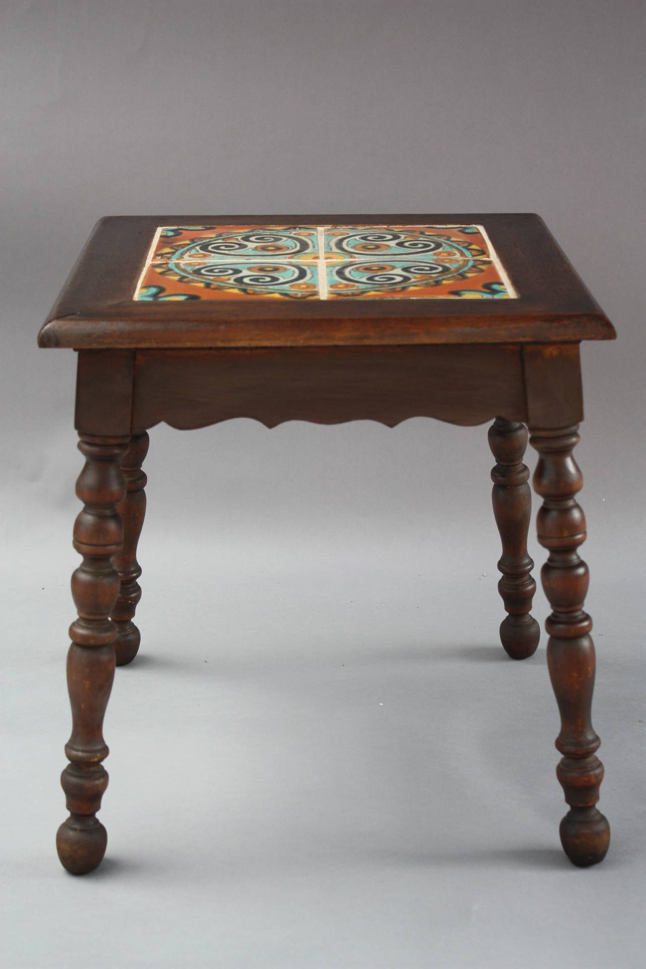 Antique california spanish revival table with tudor tiles for Table in spanish