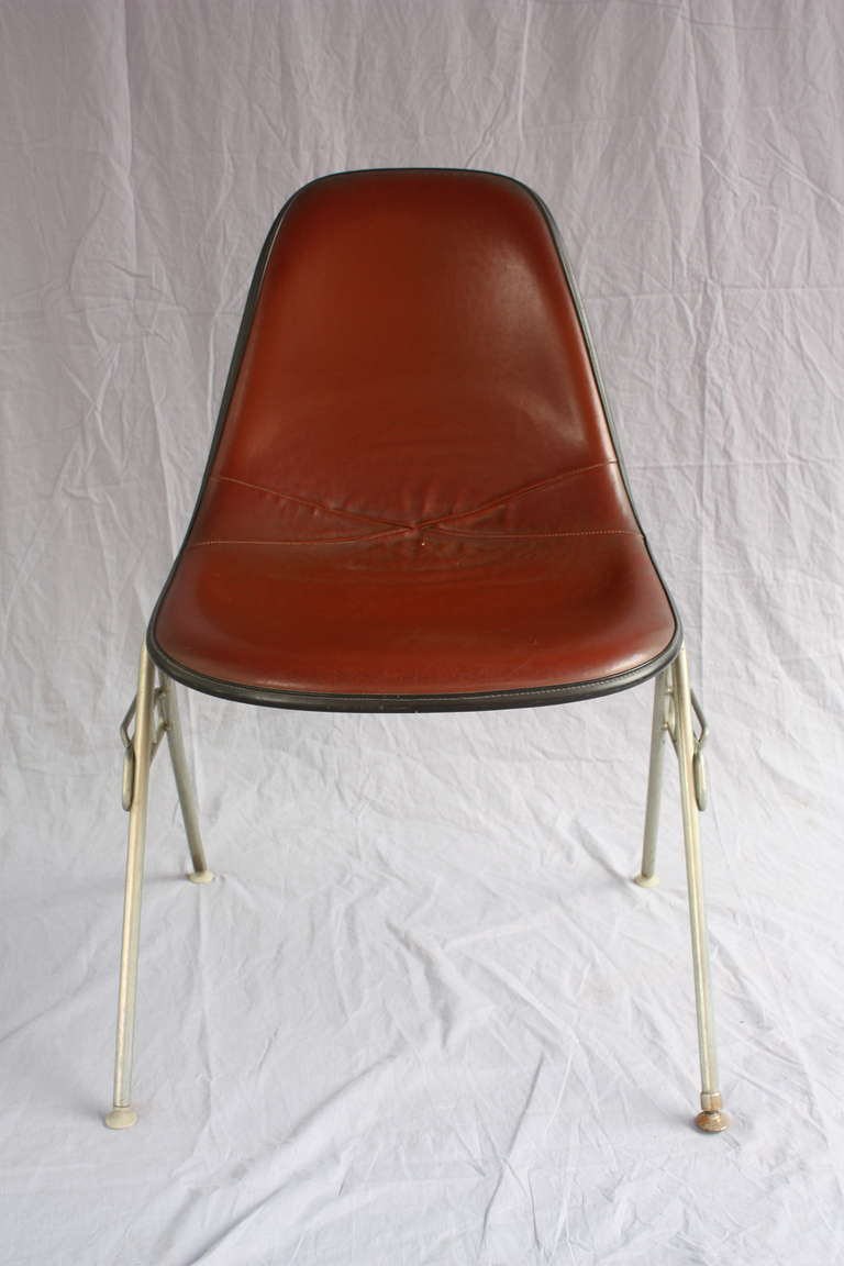 Mid century pair of herman miller eames chairs at 1stdibs - Fauteuil herman miller ...