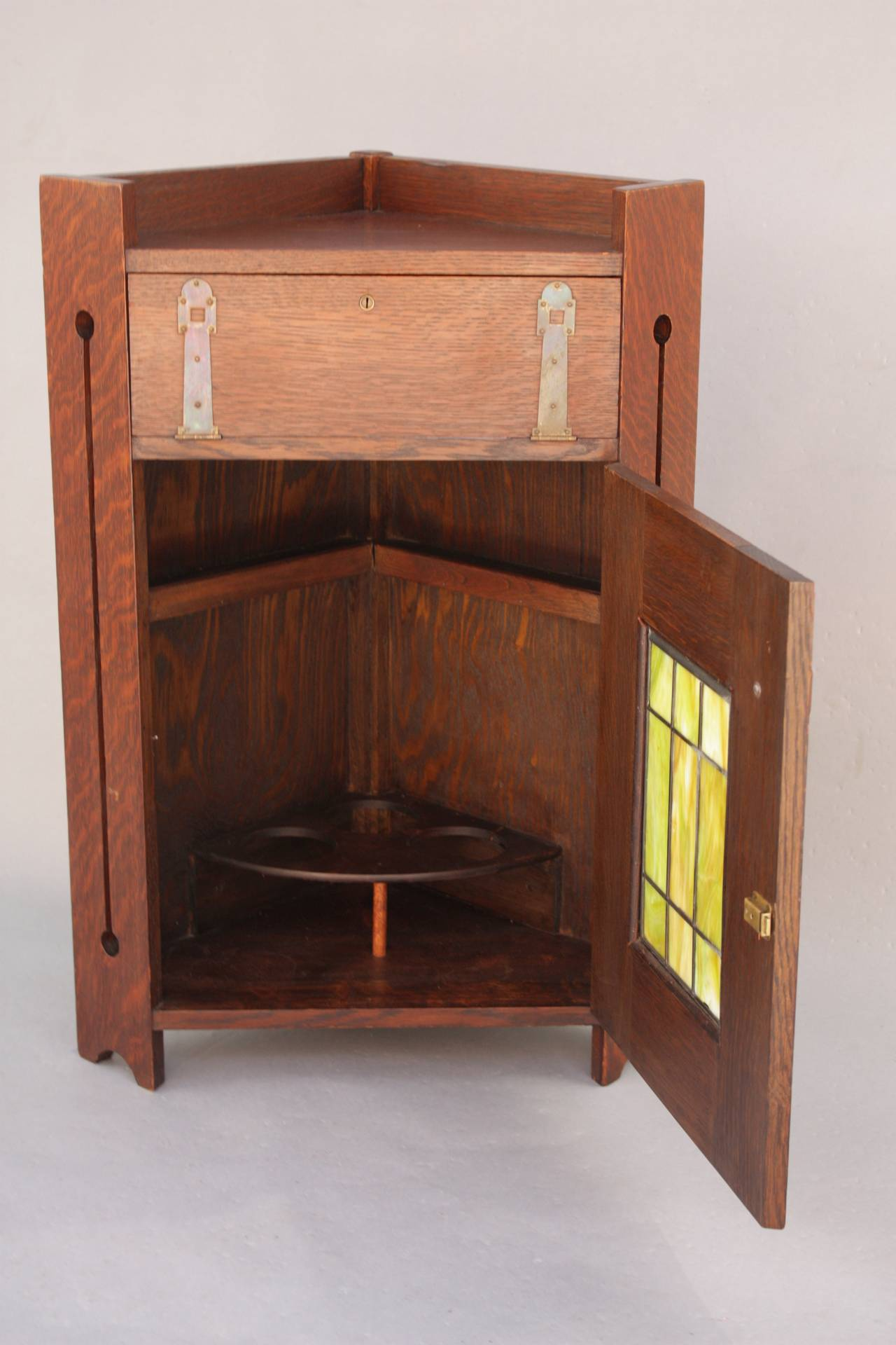 Antique arts and crafts lakeside craft shops humidor or for Furniture gallery lakeside