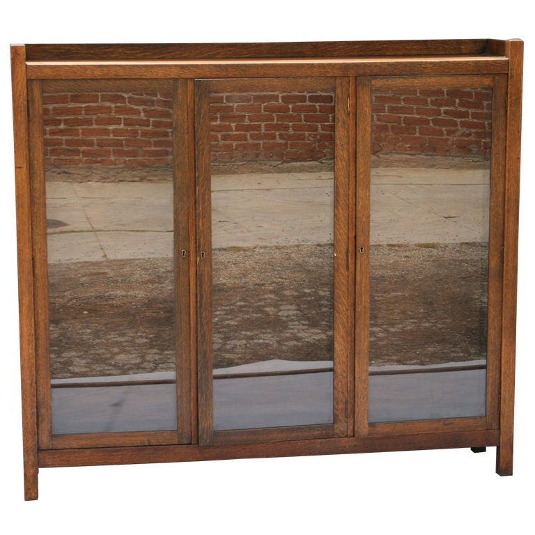 three door arts and crafts bookcase at 1stdibs. Black Bedroom Furniture Sets. Home Design Ideas