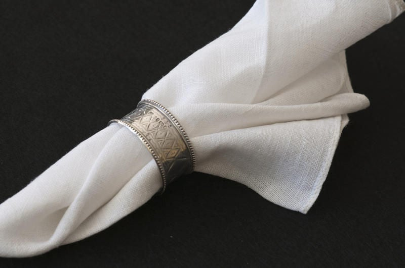 English A Selection of Six Silver Victorian Napkin Rings For Sale
