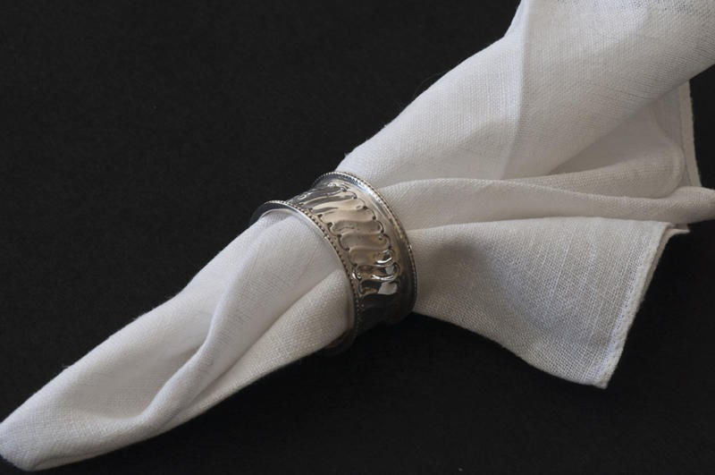 19th Century A Selection of Six Silver Victorian Napkin Rings For Sale