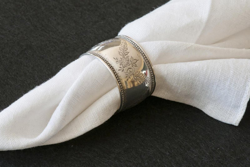 A Selection of Six Silver Victorian Napkin Rings For Sale 1