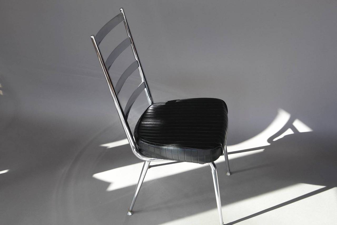 Naugahyde Set of Four Chromecraft Ladderback Dining Chairs with Black Vinyl Seating For Sale