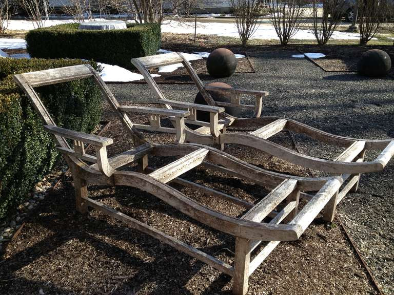 Pair of French Deco Teak Chaises In Good Condition For Sale In Woodbury, CT