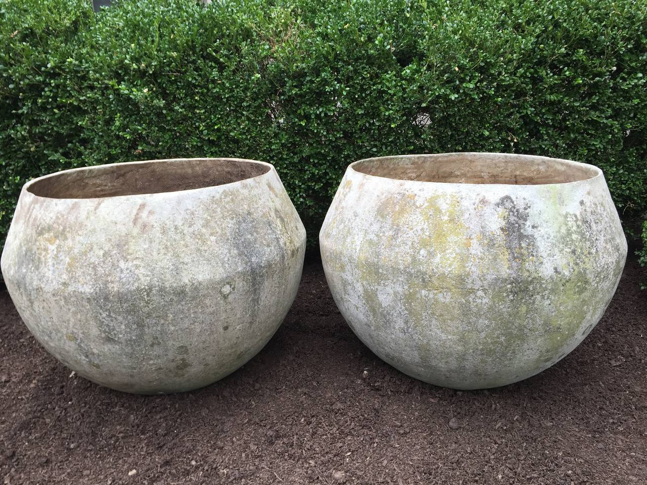 Pair Of Huge Mid Century Modern Bulbous Planters At 1stdibs
