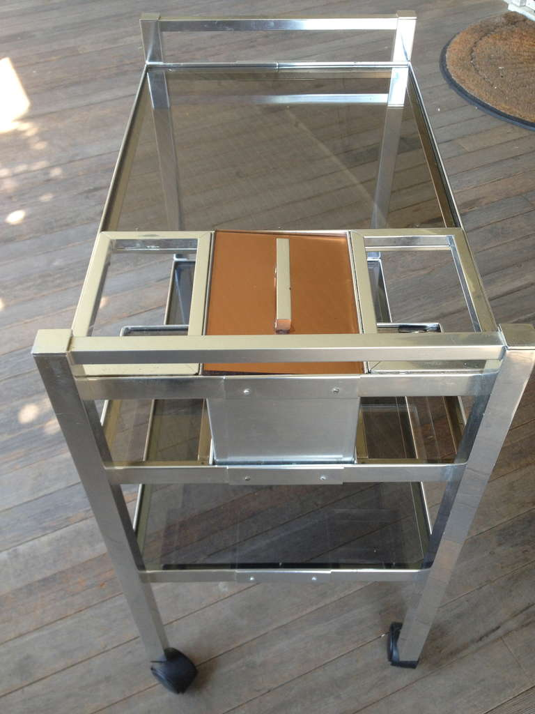 Mid-Century English Cocktail Trolley in Chrome and Smoked Glass For Sale 1