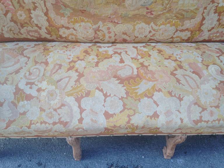 19th Century French Walnut Sofa with Original Musketeers Tapestry For Sale 1