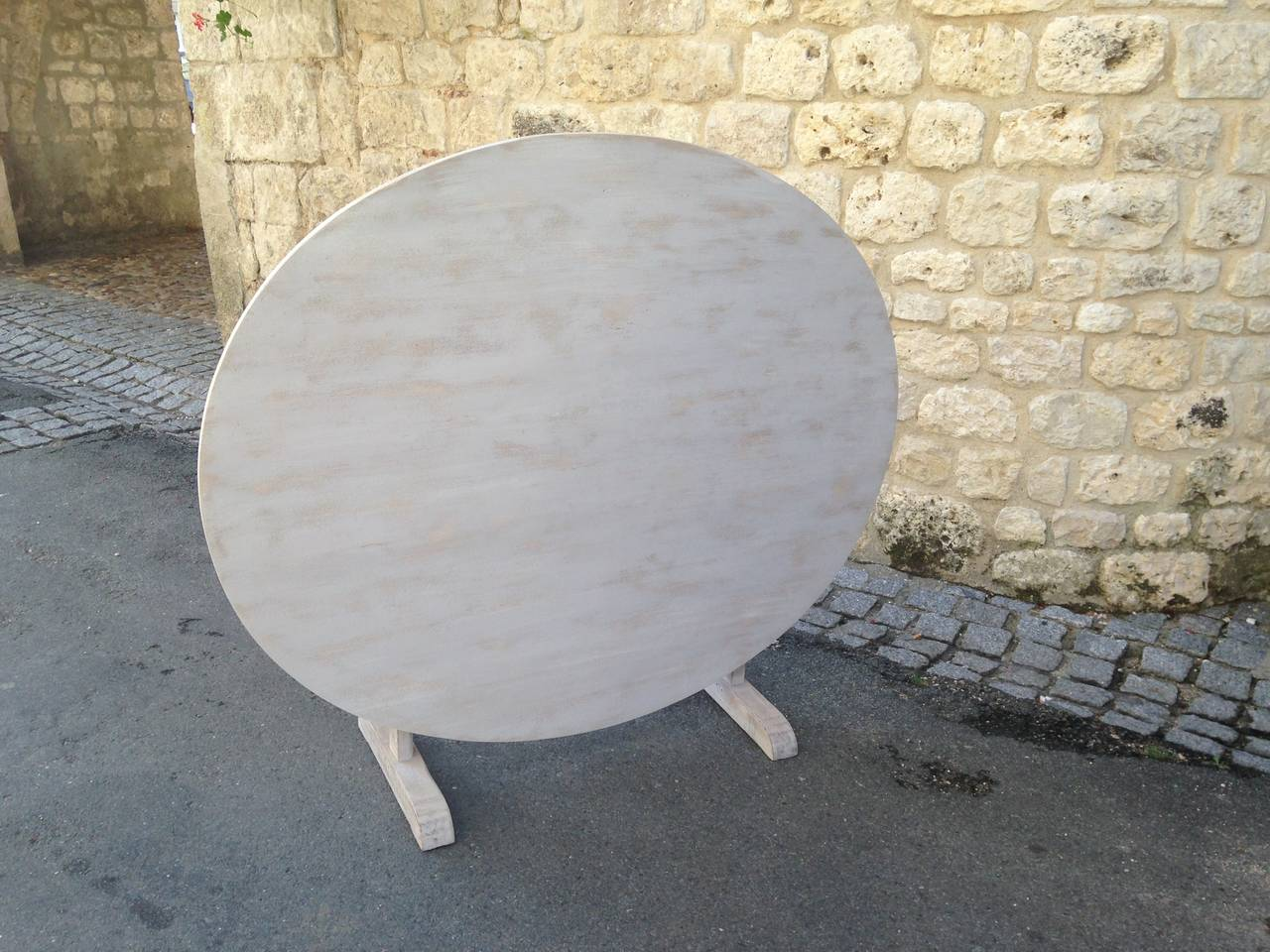 Large 19th Century French Poplar and Oak Oval Wine-Tasting Table For Sale 2