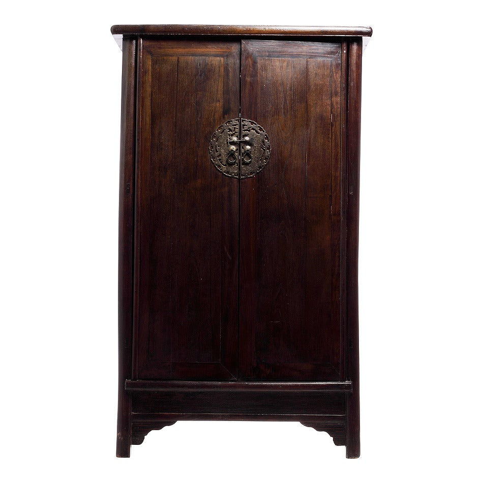 Antique Dark Lacquer Wedding Cabinet with Bronze from China, 19th Century 3 - Antique Dark Lacquer Wedding Cabinet With Bronze From China, 19th