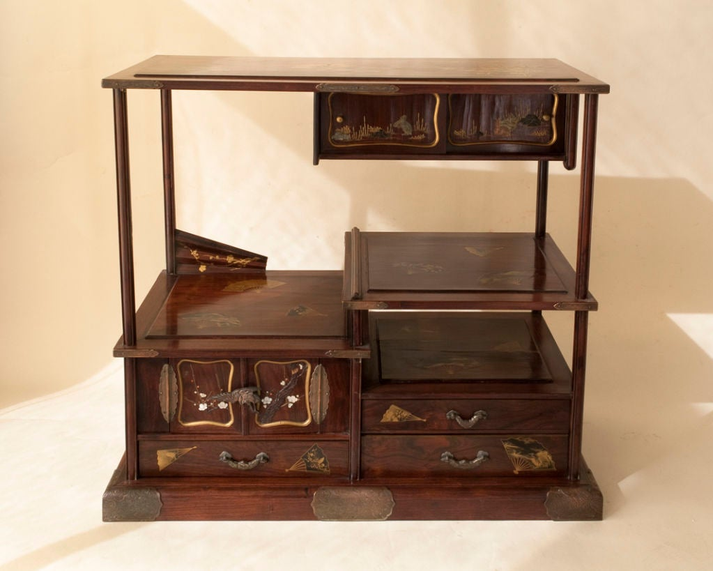 Japanese lacquer etagere at 1stdibs for Etagere japonaise