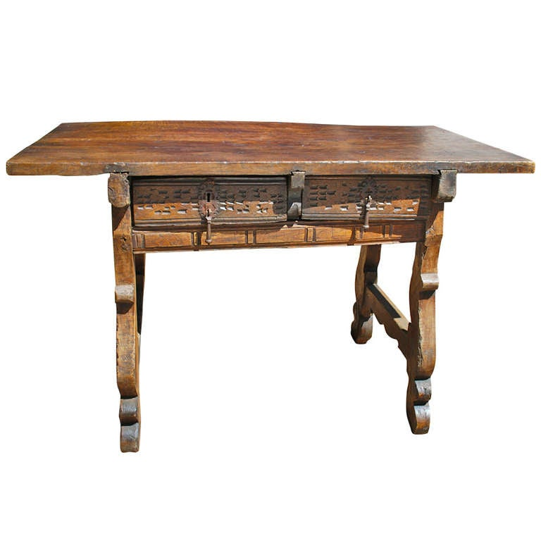 17th Century Spanish Chestnut and Walnut Table at 1stdibs