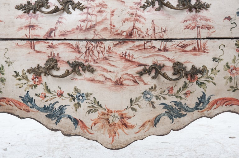 Italian 19th Century Painted Bombe Chest For Sale 2
