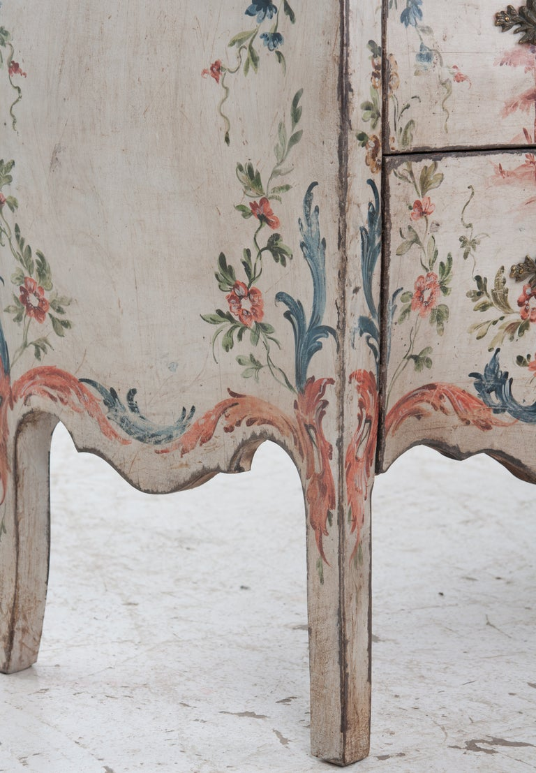 Italian 19th Century Painted Bombe Chest For Sale 3
