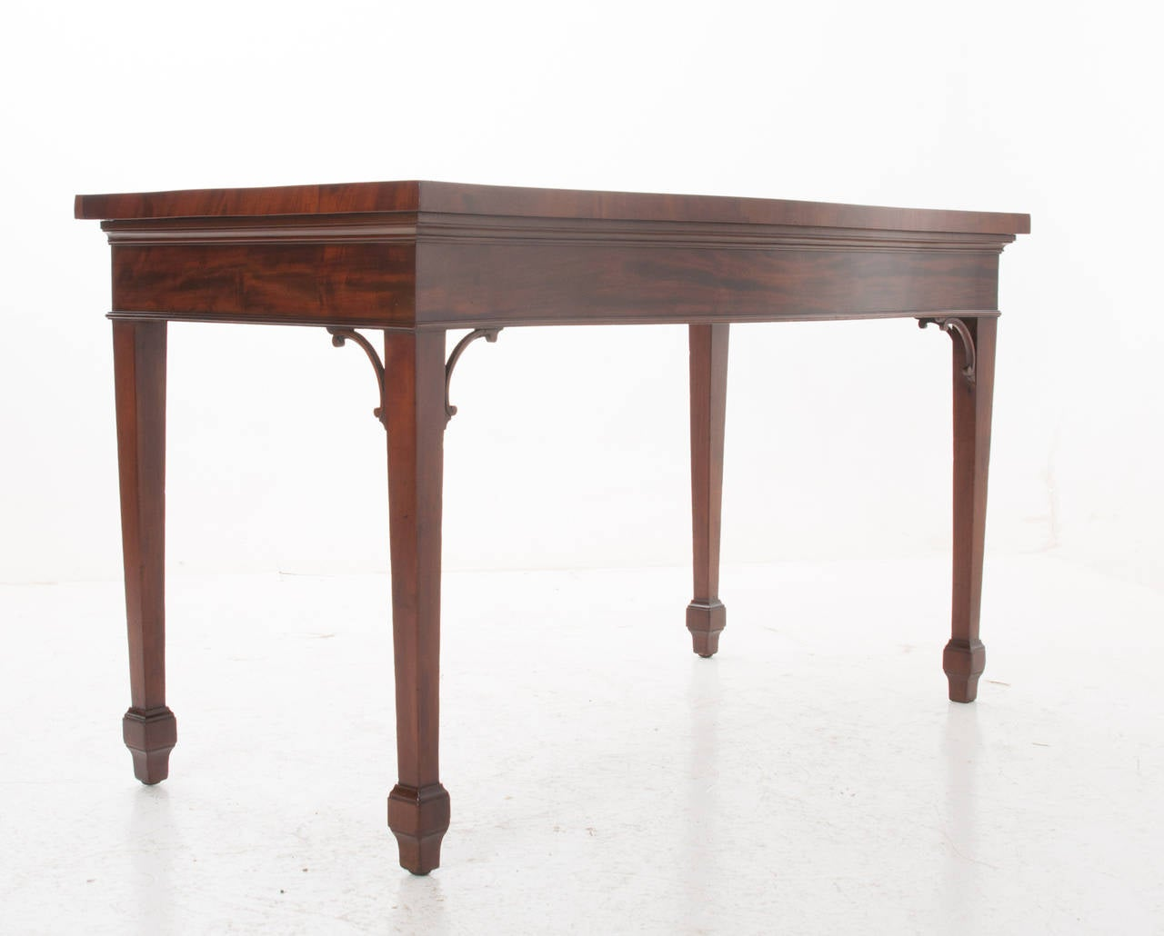 English 19th Century Mahogany Serpentine Server or Console For Sale 2