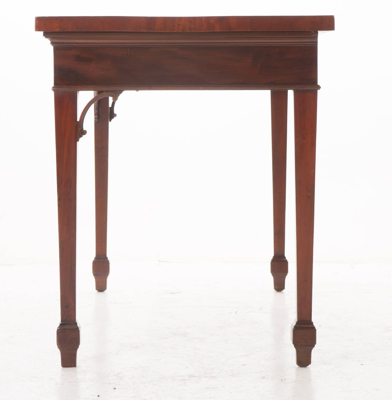 English 19th Century Mahogany Serpentine Server or Console For Sale 1
