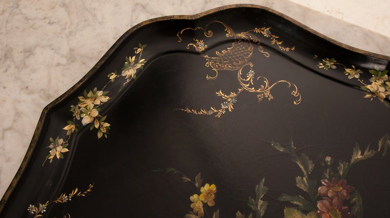 English 19th Century Black Lacquer Tray In Good Condition For Sale In Baton Rouge, LA