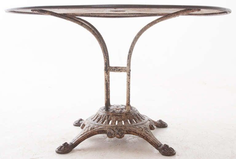 Elegant French 1920u0027s Metal Cafe Table 3