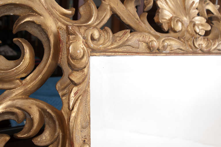 19th Century Giltwood Florentine Carved Mirror In Excellent Condition For Sale In Baton Rouge, LA