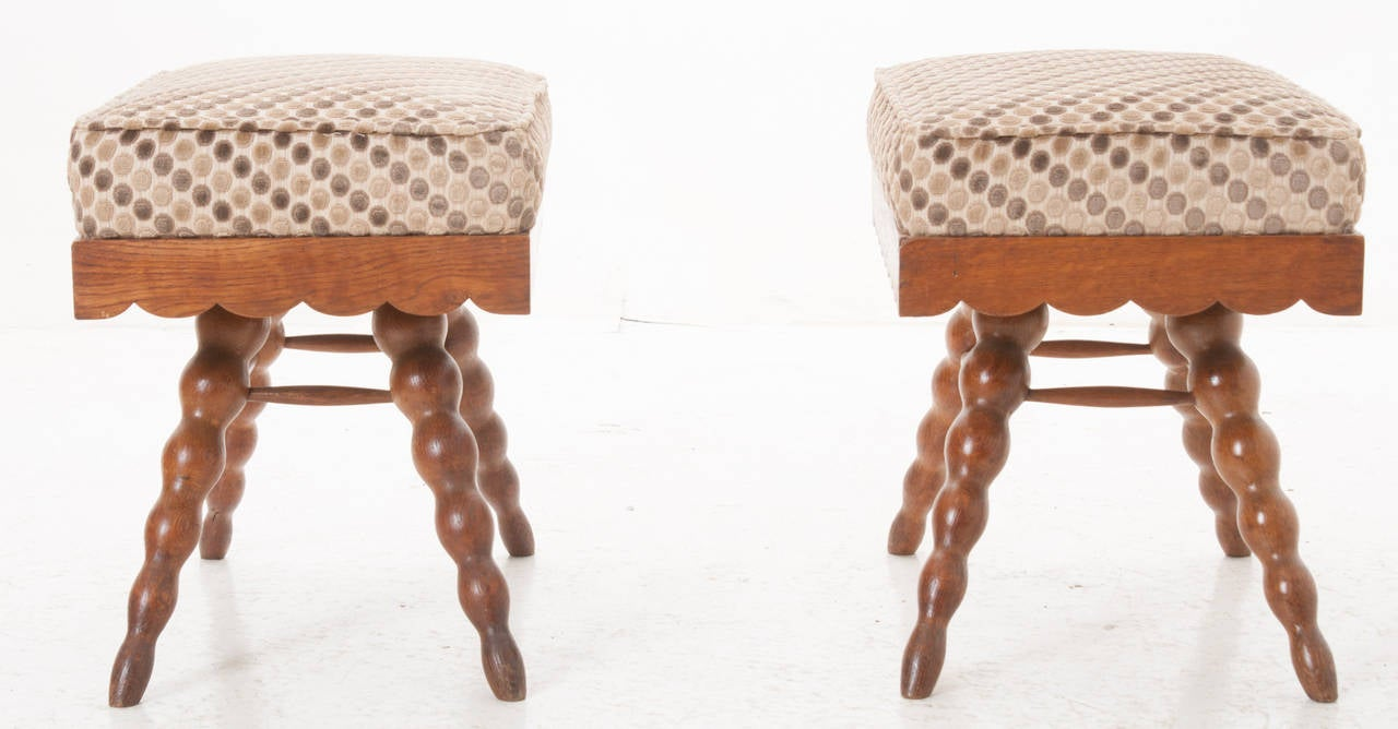 French Pair of Vintage Stools In Excellent Condition For Sale In Baton Rouge, LA