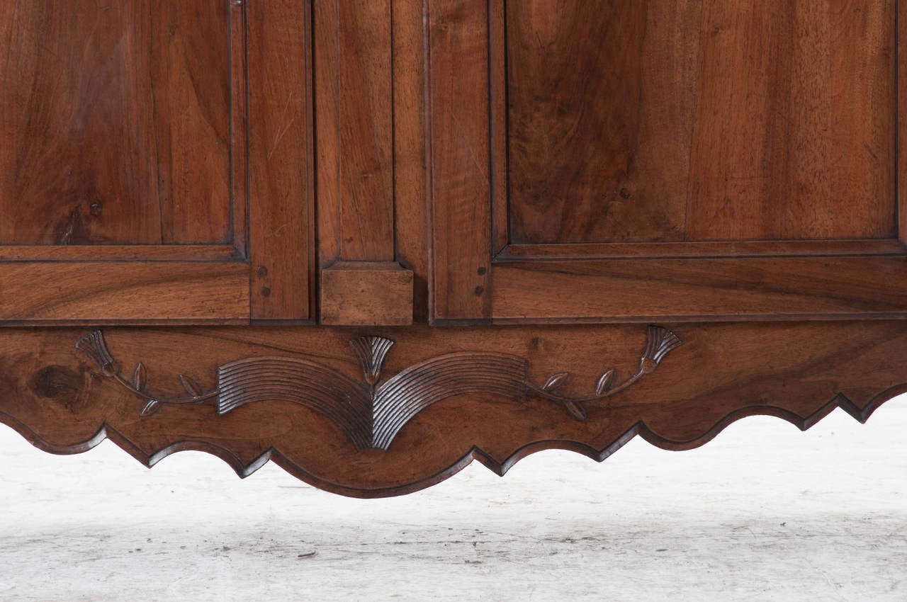 French 19th Century Carved Walnut Armoire For Sale 1