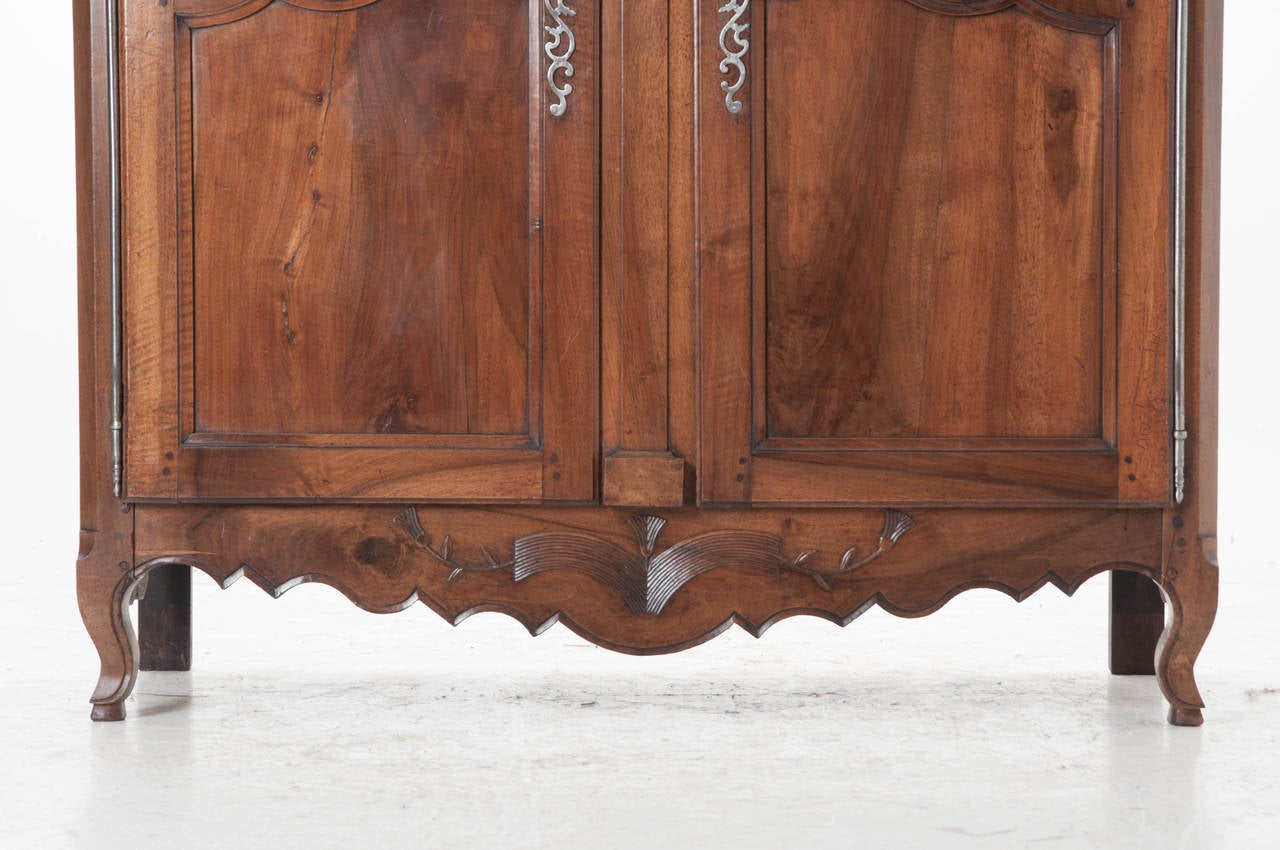 French 19th Century Carved Walnut Armoire For Sale 2