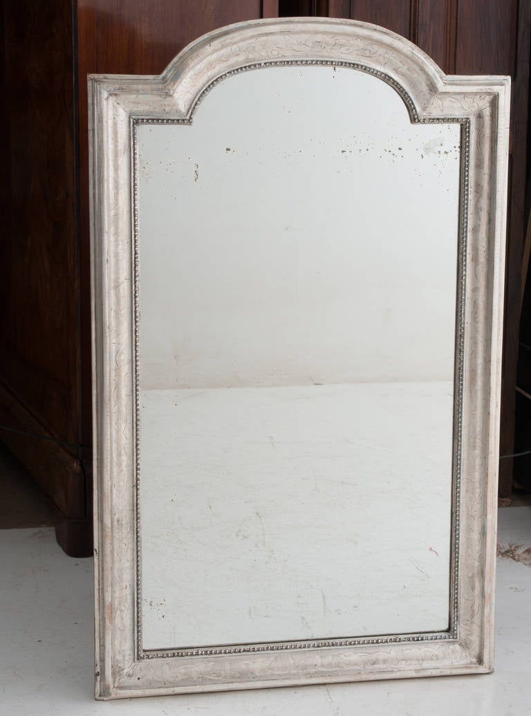 French 19th Century Louis Philippe Silver Gilt Mirror In Excellent Condition For Sale In Baton Rouge, LA