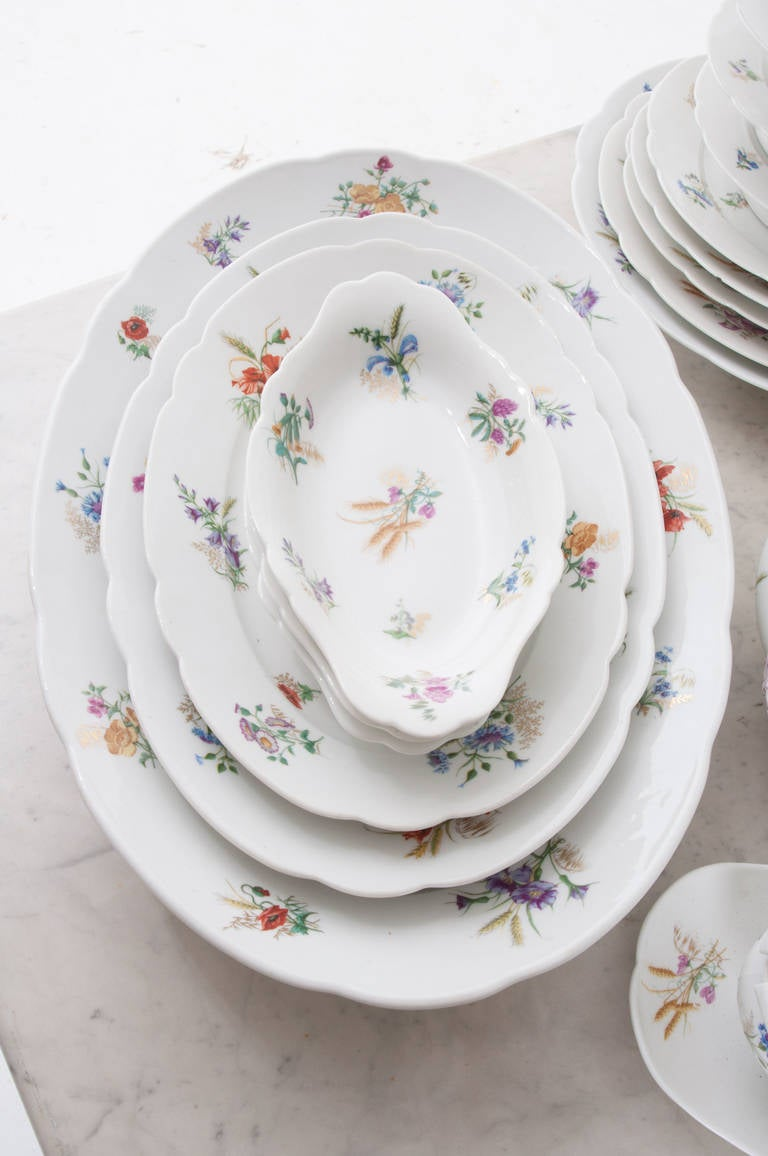 French 19th Century Floral 102 Piece Dinner Service 7