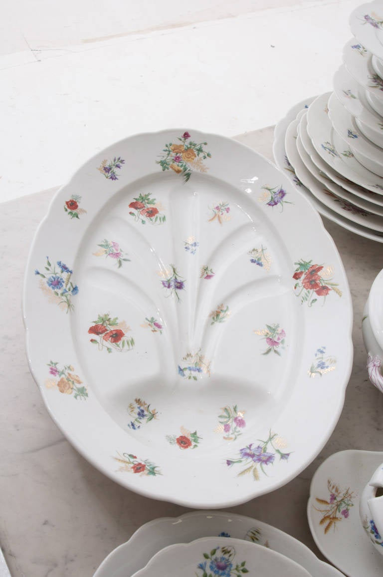French 19th Century Floral 102 Piece Dinner Service 6