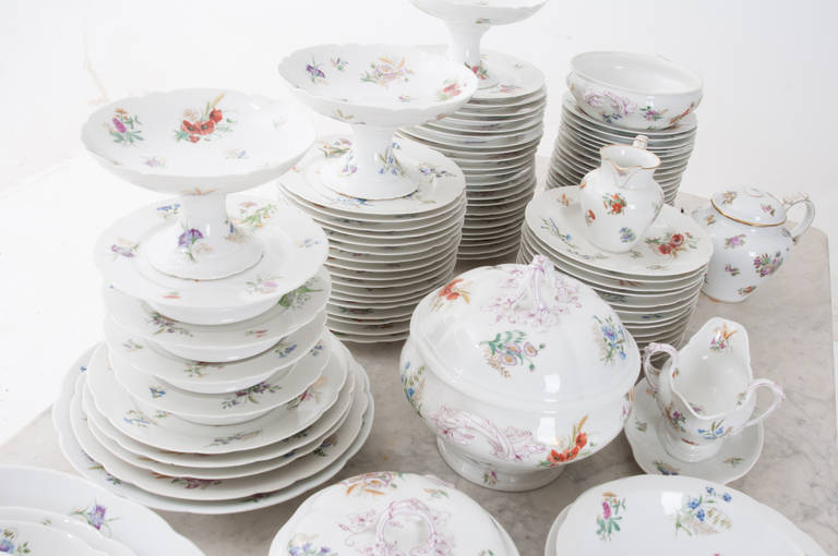 French 19th Century Floral 102 Piece Dinner Service 3
