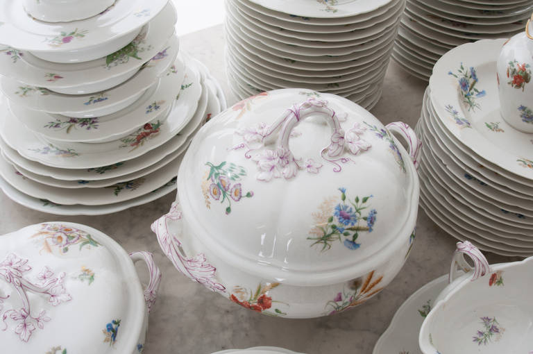 French 19th Century Floral 102 Piece Dinner Service 5